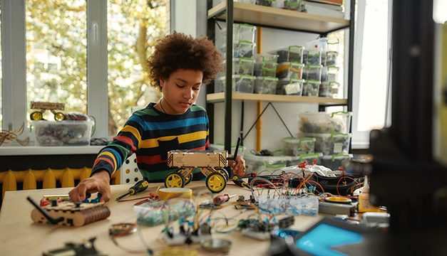 17+ Little-Known Ways to Keep Gifted Kids Engaged